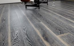 Různé techniky barvení dřevěných podlah 2