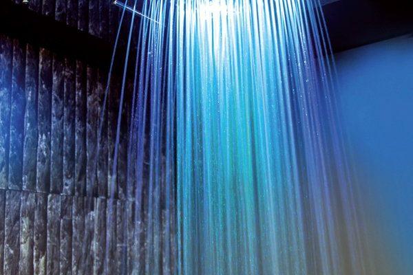 Chromoterapie ve sprše: výhody barevné sprchy 1