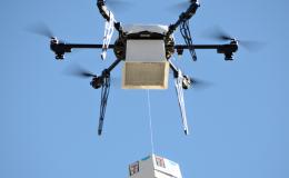 Doručovací systém byl integrován do účelově postaveného dronu 10